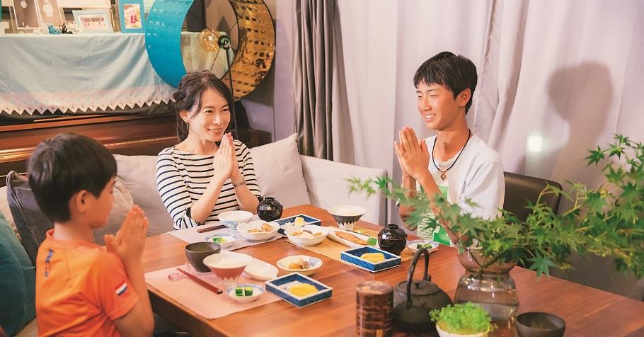 日本幼稚園第一個教的句子:「いただきます」不只是我要開動了的意思,更包含敬天愛人的感謝