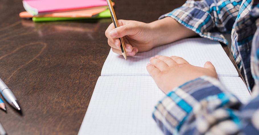 不是作文變難,是現在學生的寫作能力變差——作文名師嘆「若不更重視,以後要教孩子的,恐怕是該怎麼寫中文字」