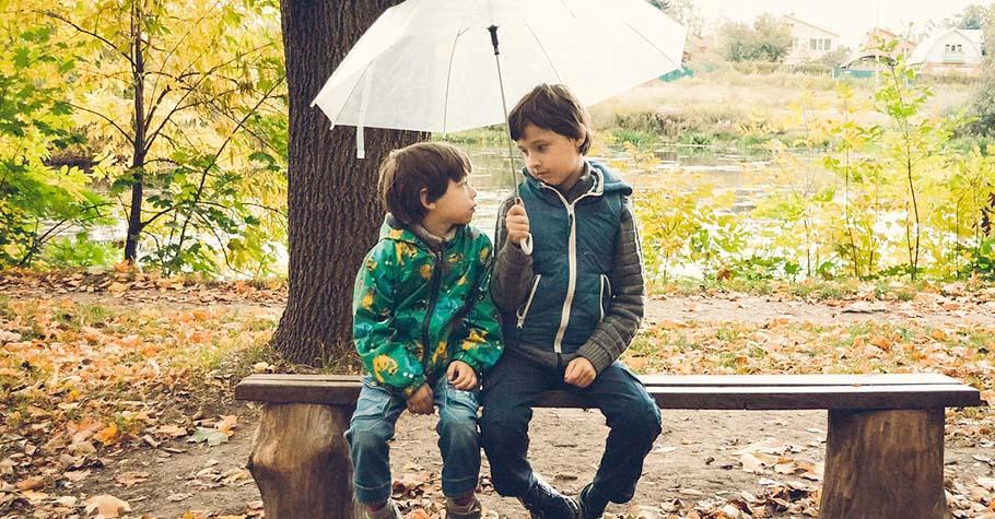面對孩子沒有永遠的不偏心,心理師:與其追求「我給你們的都一樣」不如想想「怎樣讓孩子都感覺到我在乎他」
