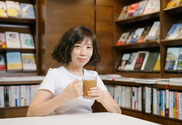 50後的從容:再忙也要「小休息」,給自己一杯堅果飲,補充能量、轉換心情