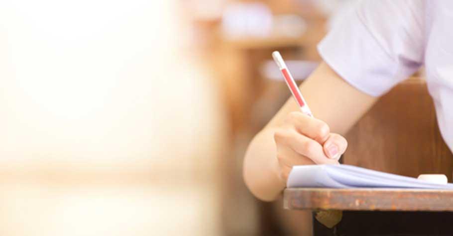 資深教師:當孩子拿成績單回家時,先不要只看到孩子的弱科就急著要他去補習