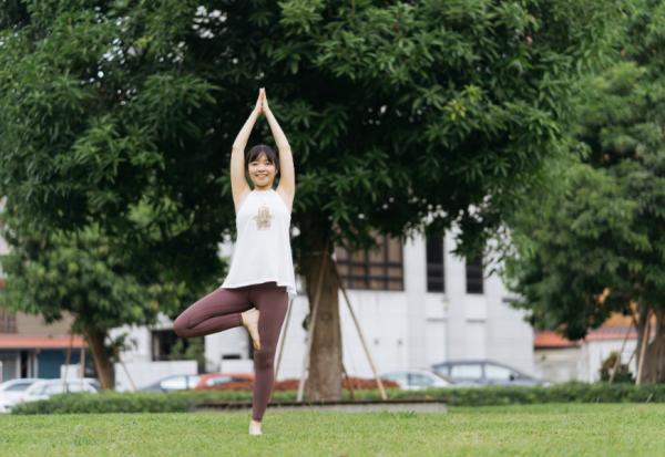更年期容易焦慮、睡不好?瑜伽教師張以昕:4個練習,讓亢奮的交感神經平靜
