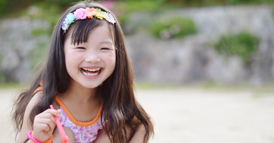大人身教的力量:向孩子展現分享和給予的美好,是人生幸福的祕訣