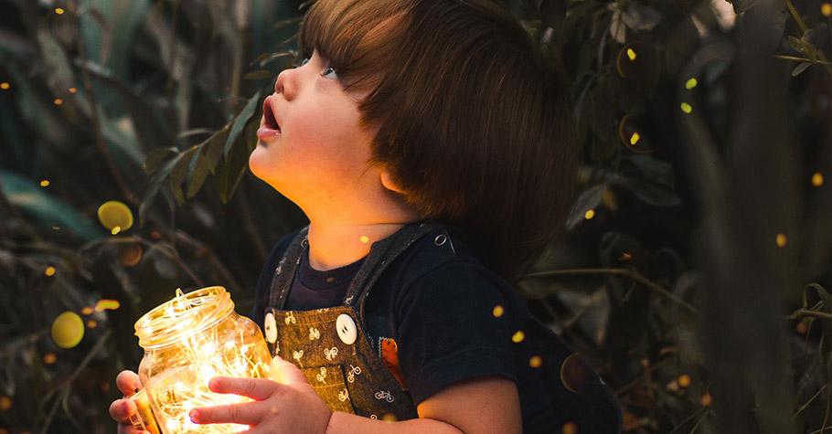 經過這些「儀式」讓孩子明白生命的無常和對生命的領悟——悲傷過後,依然有新的一天會來臨