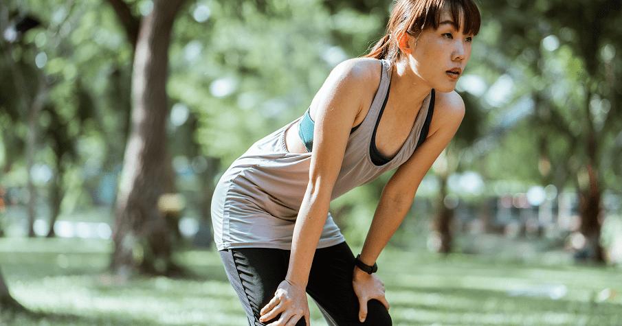 爬樓梯、提重物就好喘?運動科學博士:輕鬆運動是無效的!越不勞動,肌肉流失越快,站或坐都會吃力