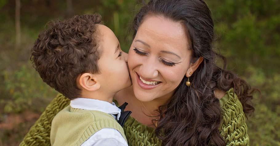 父母不要急著表達意見!把聽孩子講話當成「重要的工作」般,,徹底成為孩子最好的傾聽者