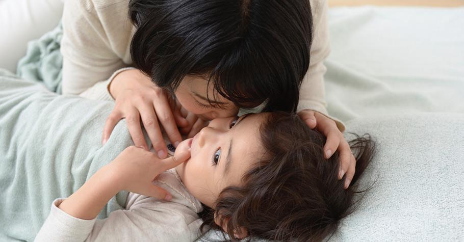 瘋狂了一天的孩子或心好累了的大人,都需要安靜溫暖的時刻,找到親子間耐心、安定的力量