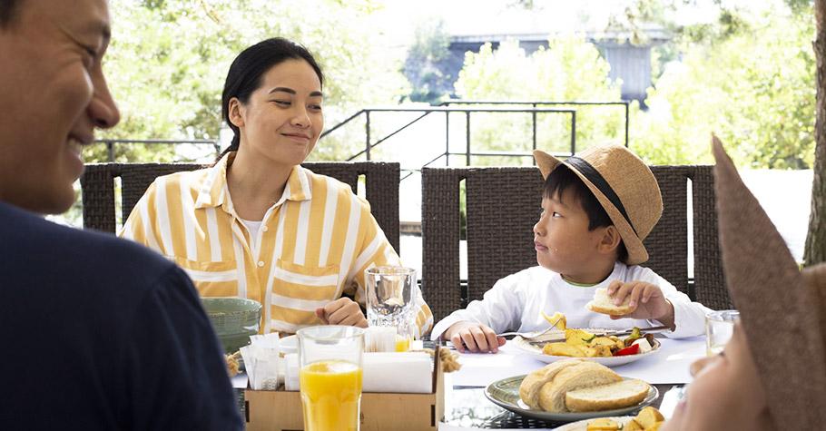 教育學博士的獨到見解:「絕對不要讓孩子單獨吃飯」,以為的日常小事卻能影響孩子一生