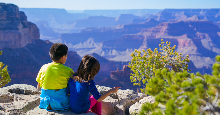 親子共讀一起環遊世界一周,拓展孩子的視野與國際觀,也學會尊重與別人的不同
