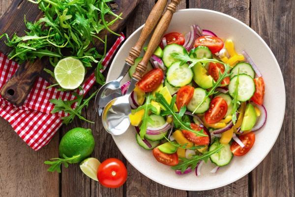 舒緩不適、為老後健康打底 女性更年期該怎麼吃?