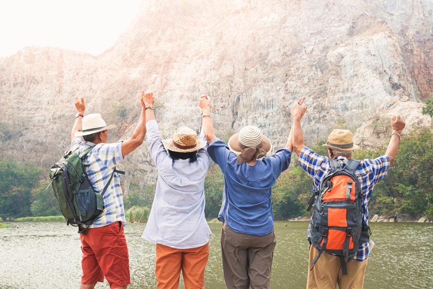 最好的人生伴侶,不見得是另一半!熟年交友和年輕時不同:4秘訣培養老來伴