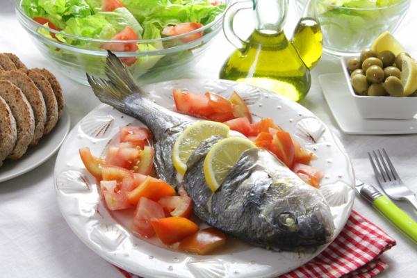 每4.5人有1位死於高血壓疾病!研究:護心效果最佳的「海鮮版地中海飲食」每週菜單建議