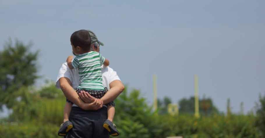 父母面對困境的身影,對孩子最具有啟發性;若你總是暴怒叫囂,孩子也將焦躁與不安
