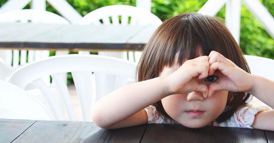 你以為孩子都在發呆?大人認為的胡思亂想,都是孩子往後創意力的無限累積