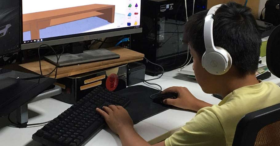 「相信努力有用」讓年齡不再侷限孩子的能力:12歲范睿輝,從煮麻油雞到組裝電腦,全都自己搞定!