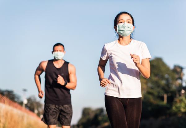 戶外運動戴口罩要注意哪5件事,兼顧防疫與安全?