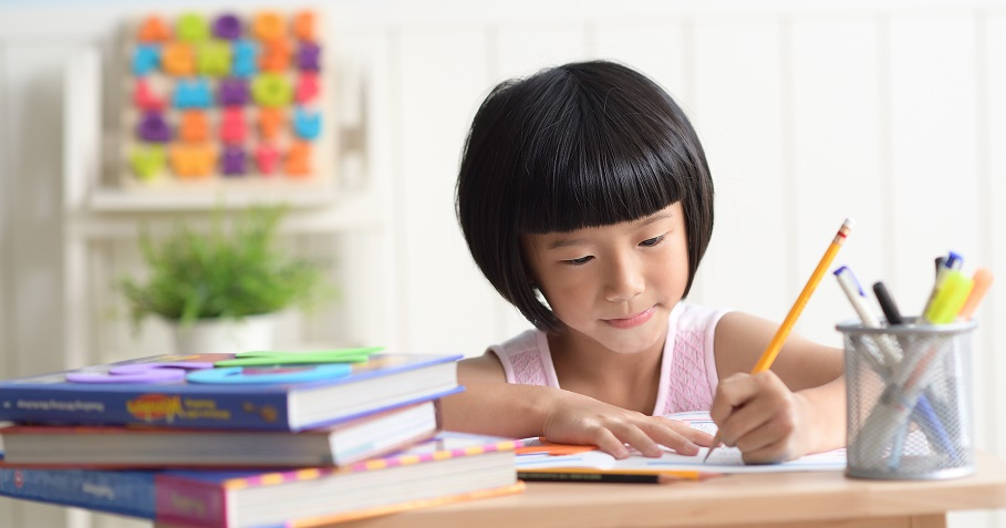 「假放那麼久,作業居然還沒寫完?!」史上最長寒假,收心變更難?低、中、高年級的老師教您對症下藥