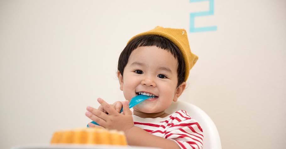 當孩子有想要的東西,大人與其馬上提供,不如試著讓孩子延後滿足或靠他自己努力獲得