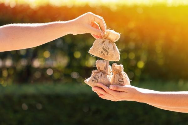台灣照顧歷程平均9.9年!每人必懂長照四包錢,每月可省萬元
