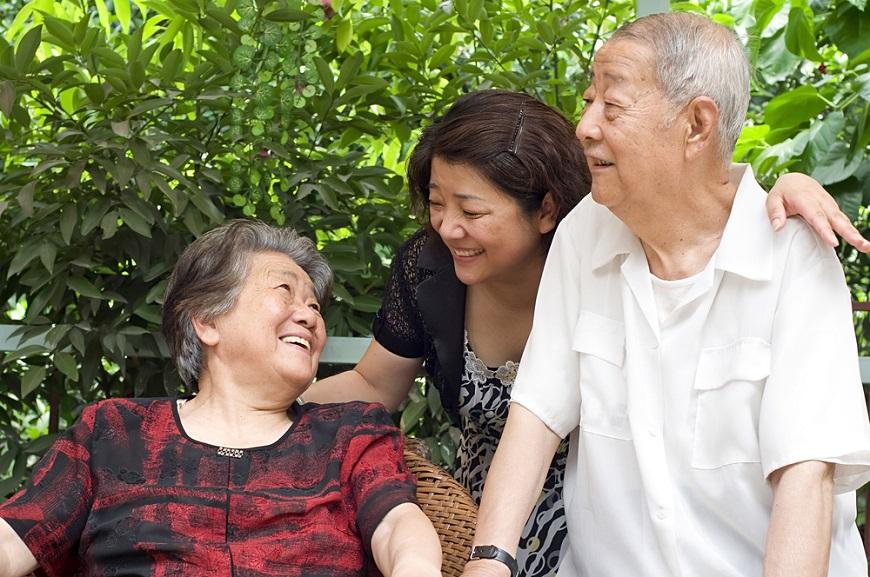 【王琄專欄】年邁父母說不出口的苦,自己過了中年才懂