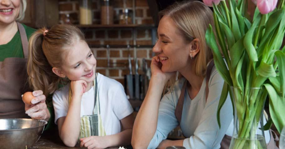 心理學家:孩子們需要愛的關注,沒有任何電子設備或應用程式能取代你跟孩子的擁抱、講話和歡笑