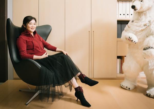 時尚教母馮亞敏的日常穿搭哲學:「俐落」與「得體」,如何做到?