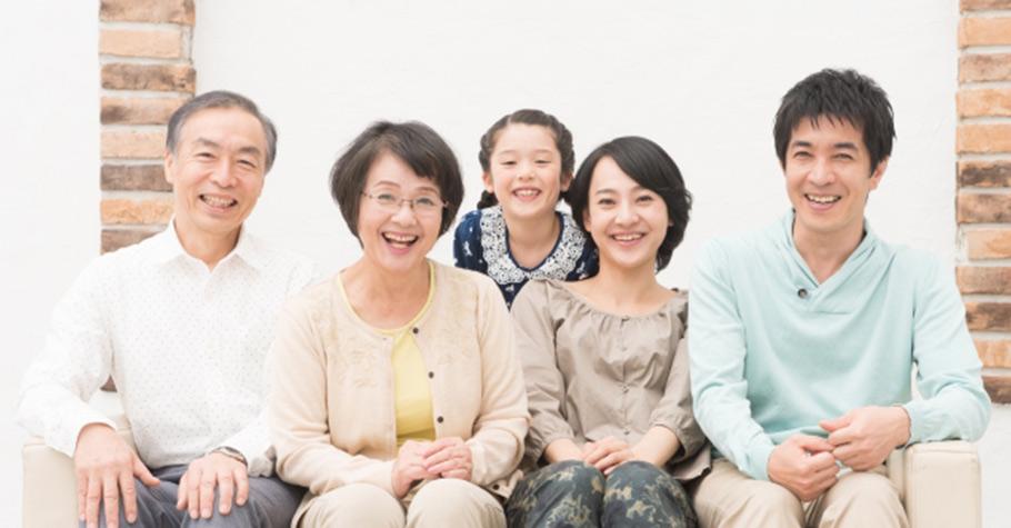 父母要有能力讓自己生活得好,要讓自己能夠充分獲得愛的滿足,才有可能給子女真實的愛