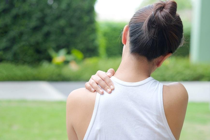 肩痛、背痛、腰痛,復健很久但沒改善?物理治療師:5動作放鬆過勞肌肉,姿勢對才能根治疼痛