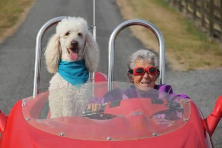 活在當下!這位90歲美國奶奶放棄化療,踏上全美壯遊之旅