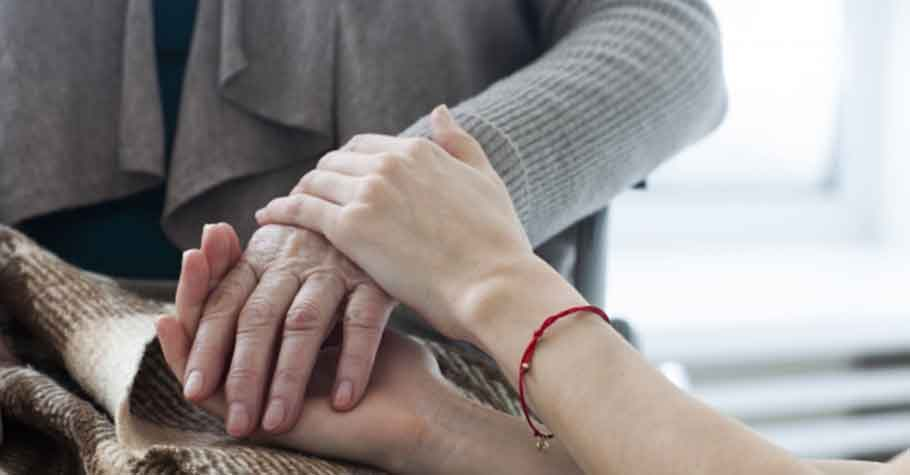 送別婆婆的媳婦:我希望有一天睡醒,就忘了那段照顧人的日子,而不是留在心裡,揮之不去……