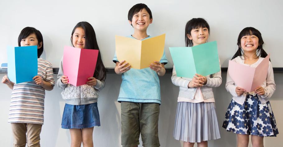 自信的孩子上台落落大方》掌握4要點、3技巧,練出口語表達力