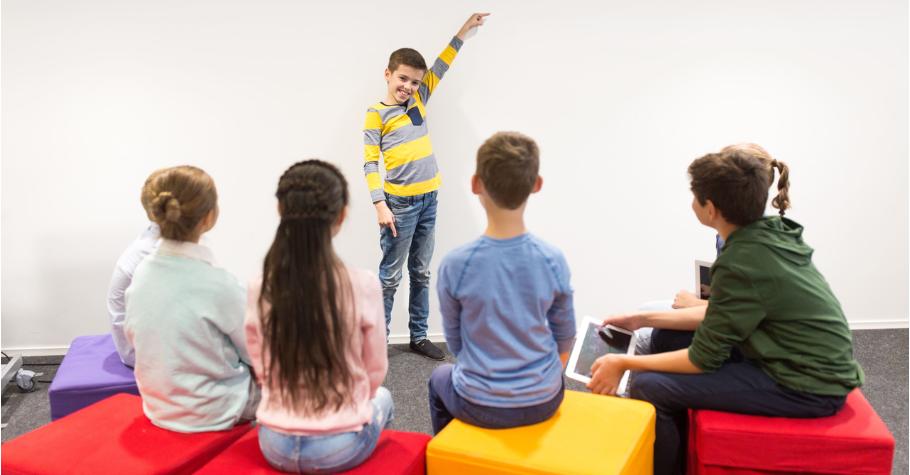 孩子一到新環境,就怕自我介紹?SUPER教師:教孩子說個好故事,輕鬆讓別人記住你