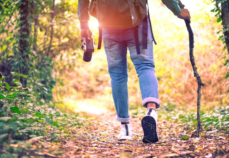 每天練5分鐘防雙腳無力!日本醫師健步體操,讓雙腳重返年輕