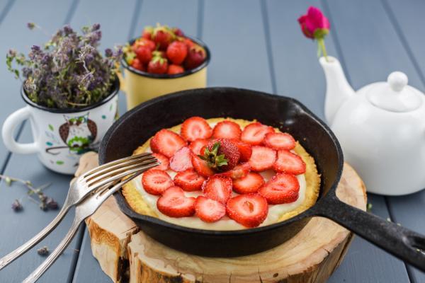 日常美好的小開始:鑄鐵鍋與生鐵平底鍋
