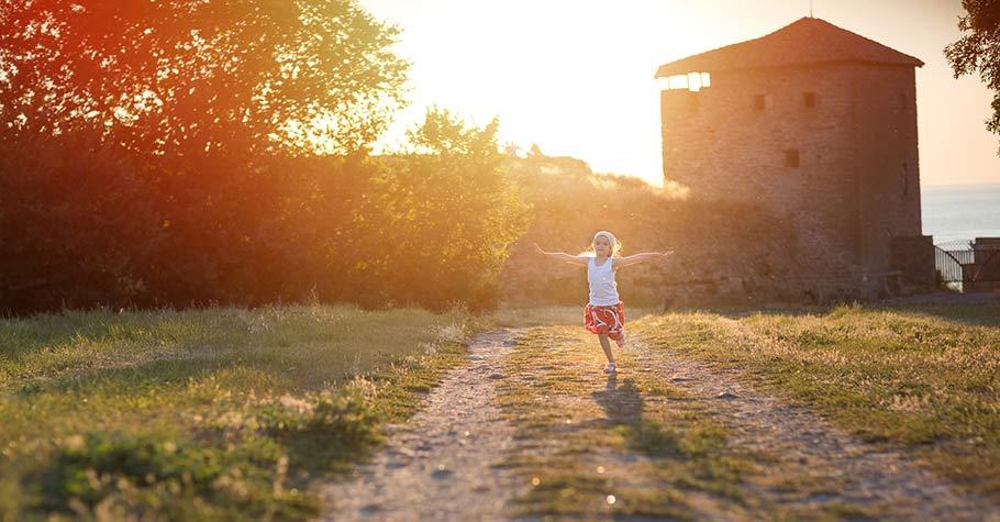 載著愛與希望飛翔,讓孩子多點對生活的熱情與自信,孩子將更有能力對抗時代形成的壓力