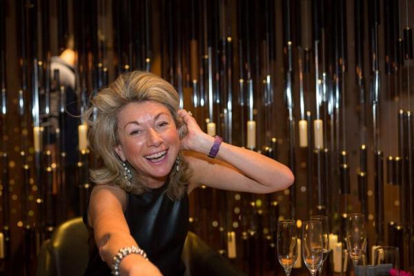 拒當丈夫的貴婦,空巢期當侍酒師!56歲法國媽媽:女人的自由,自己來!