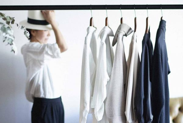 衣櫃裡只要3個顏色就好!日本造型師推薦三色穿搭法,穿出簡約優雅
