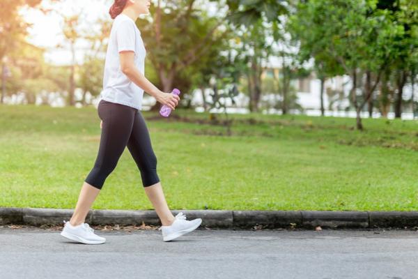 走得快、步伐大較長壽!專家教你:計算最適步幅與速度