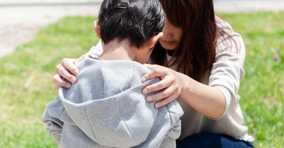 沒頭沒腦地天天給孩子當加油隊其實是在殘害孩子!父母要教導孩子務實地面對現實,腳踏實地地去做自己想要做的事