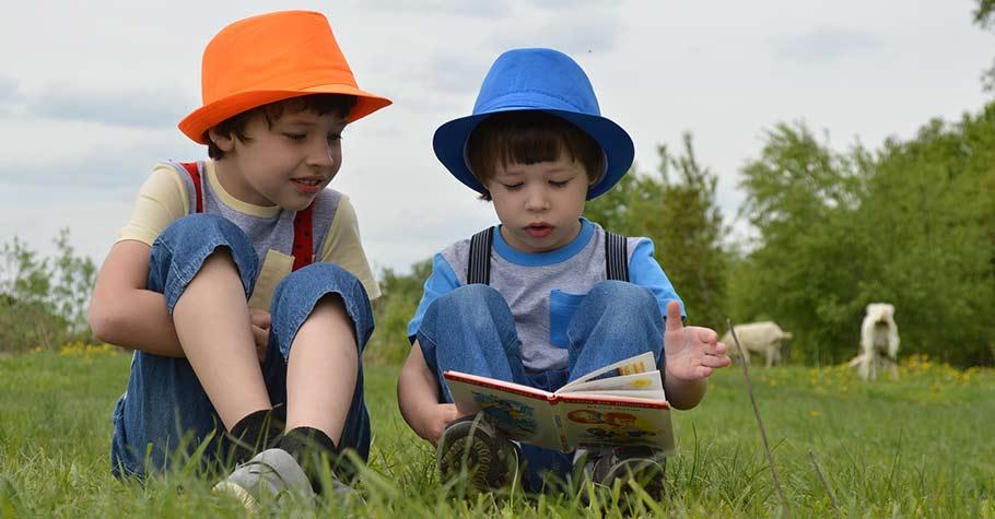 想教孩子學習程式設計概念沒有想像中困難,父母可以陪他讀,教他讀,就像我們陪孩子讀繪本一樣