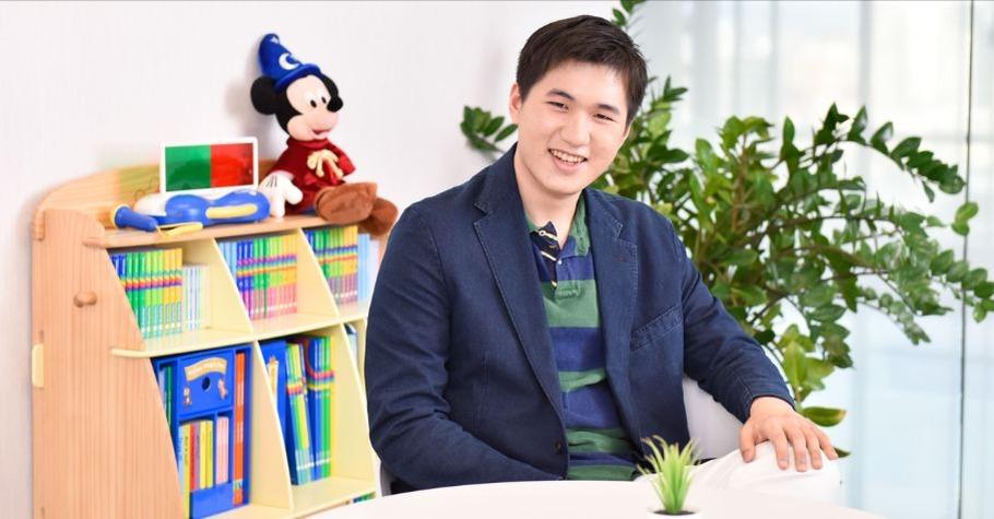 13歲錄取紐約大學的「天才兒童」江璟亮,媽媽是怎麼教育他的?