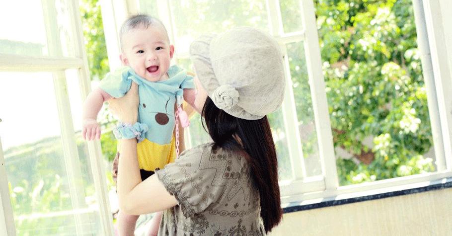 心理學家: 孩子哭了就抱起來,不要擔心會寵壞他,反而讓他養成能愛人又能自主的性格