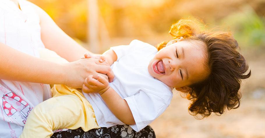 幽默感不只是會逗人笑,而是一種快樂正面思考的態度,是父母要教給孩子的生活智慧