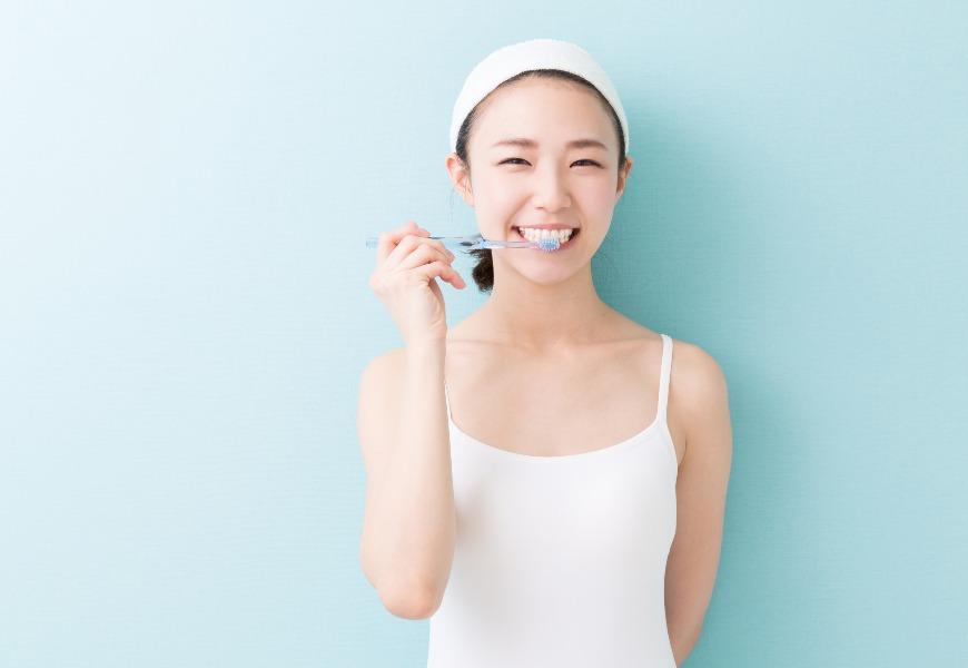 刷牙姿勢對也有助減重!不須拚命運動,就能消耗熱量的6件事