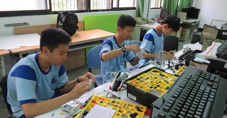 機器人與社團奠基,引領孩子自主學習