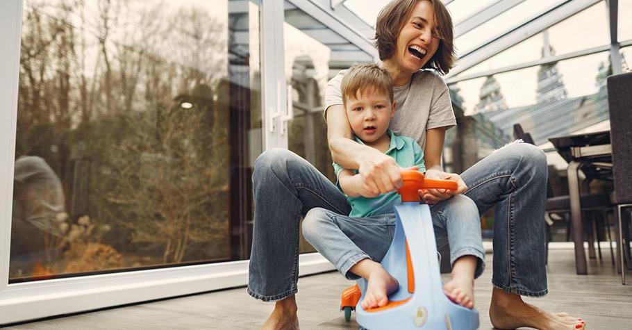 把孩子愛成媽寶絕不是愛,是讓他們變成討人厭的人,最受氣的就是他未來的配偶或同居人——別當「媽寶」製作人