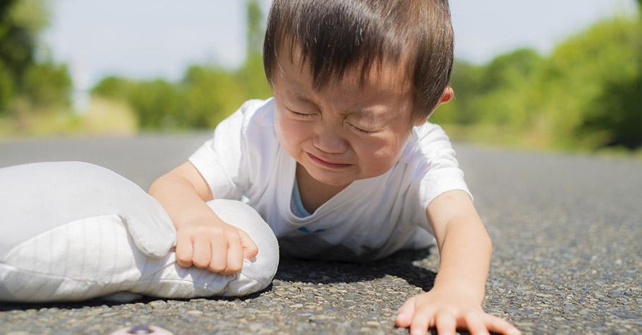 不要讓男孩再受「男兒有淚不輕彈」的荼毒,傷心的時候、痛的時候,哭也沒關係,男生女生都一樣