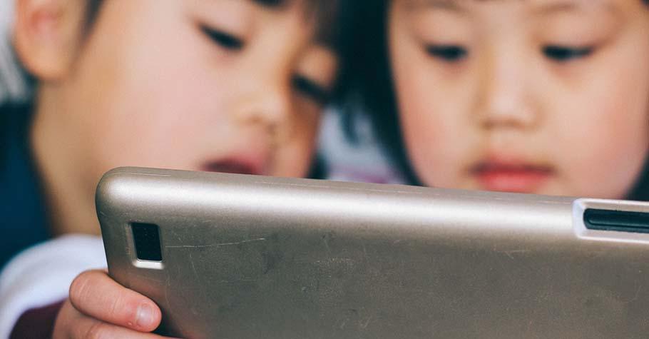 孩子要求看動畫《鬼滅之刃》,家長該限制還是該陪伴?