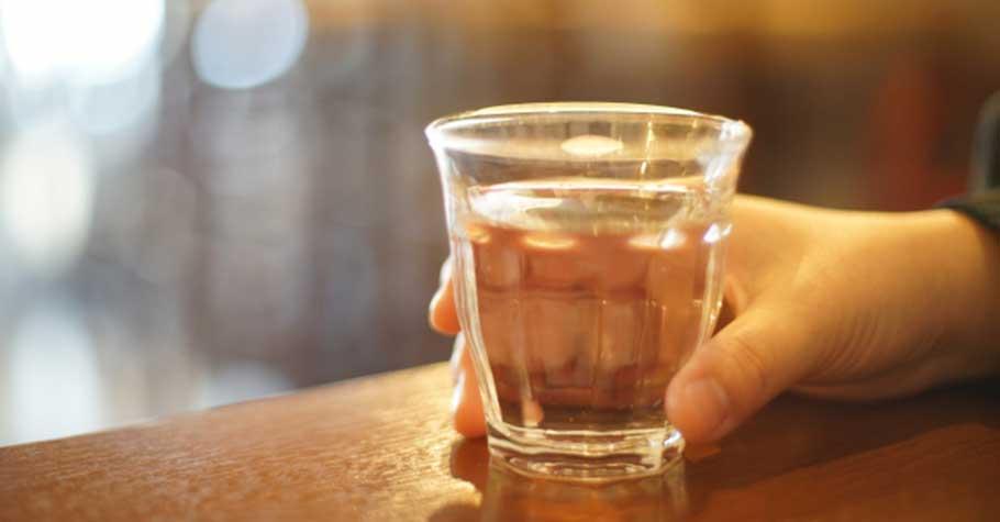 一杯溫開水的力量》一個人想要變好,是因為他有了被愛的感覺