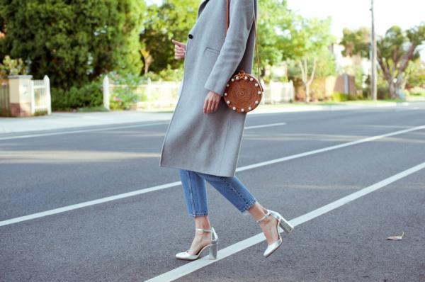 襯衫該合身還是寬鬆?包包什麼顏色好?4穿搭技巧,達成「輕時髦」